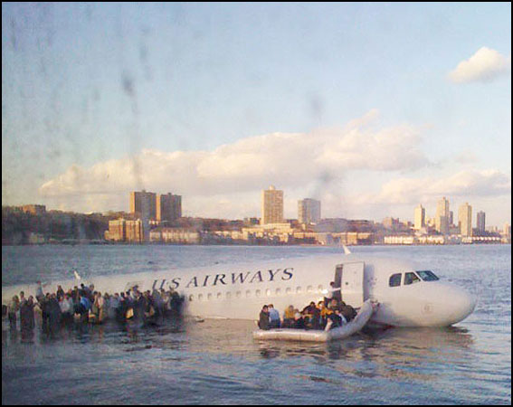 plane in the hudson river